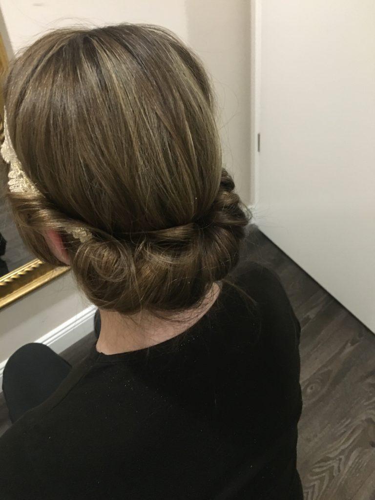 Pferdeschwanz - Haarstyling - Minimalist - Philomena - Conditioner - Hochsteckfrisur - DIY - Do it yourself Haarstyling - Haarpflege - natürliche Haarpflege