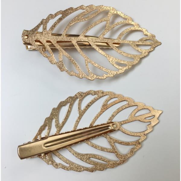 Goldfarbener Haarschmuck, Blattoptik