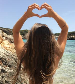 Haare im Sommer pflegen